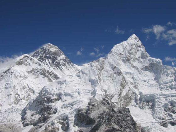 Mount Everest och Nuptse