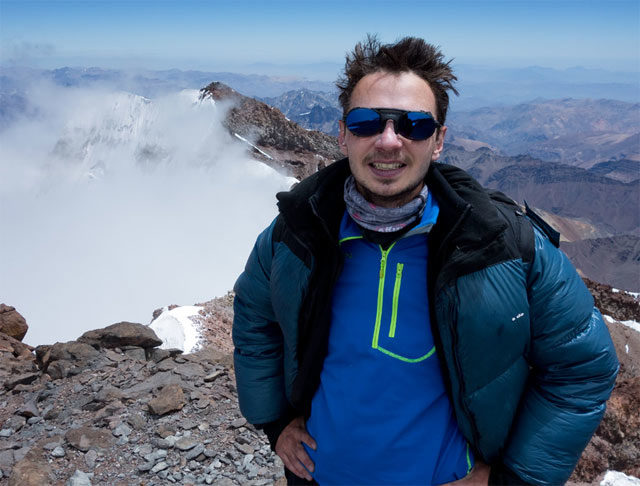 Antoine på toppen av Aconcagua