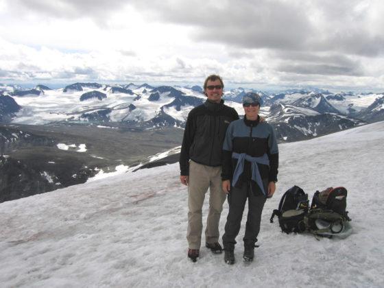 Åsa och jag på toppen av Glittertind